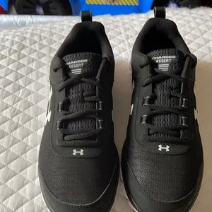 Under Armor shoes 👟